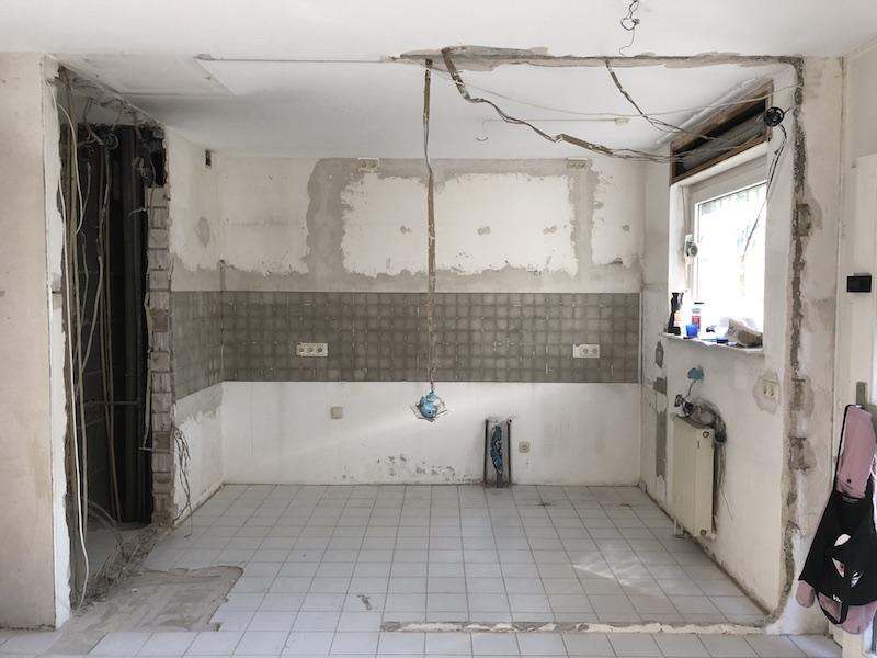 Interior Design Projekt Küche. Küche komplett entkernt. Vorbereitungen auf die neue Inneneinrichtung der Küche sind gestartet. Das Interior Design Konzept wurde von Malchow Interior Design erstellt und in der Umsetzung begleitet.