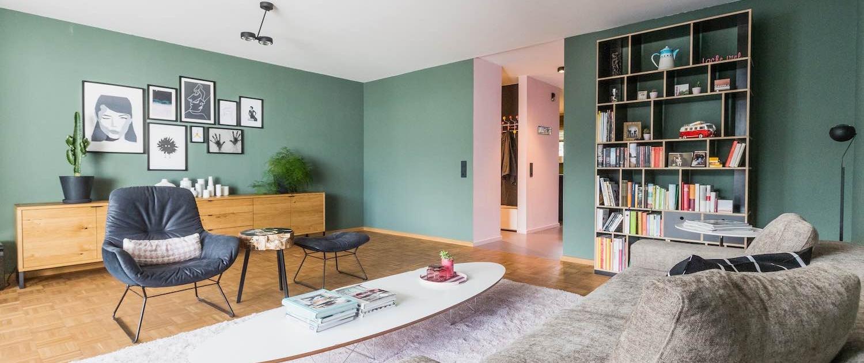 Modern eingerichtetes Wohnzimmer mit Designermöbeln von Occio, Janua und Montana.